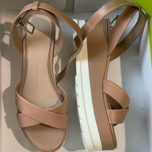 Gianni Bini DK Sierra Tan Platform Sandal